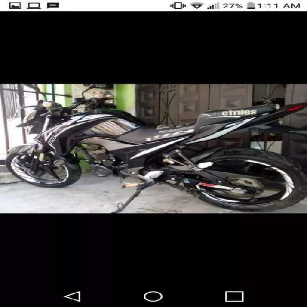Vendo moto cr5 180 mod 2016 papeles hasta noviembre 15