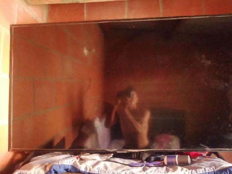 Televisor 4k 50 pulgadas pantalla rota