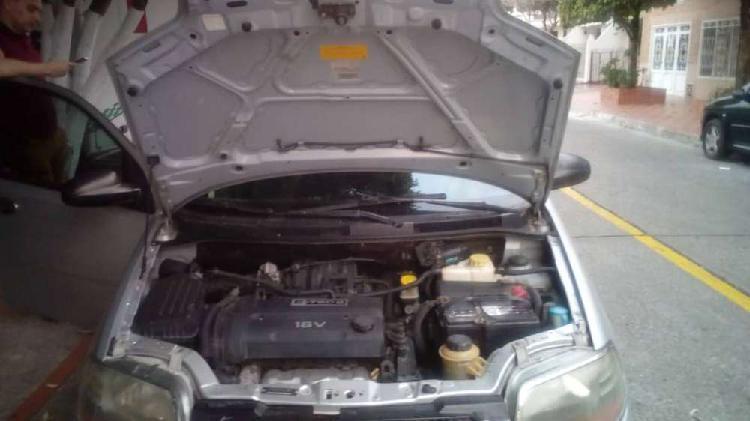 Chevrolet aveo sedan - 4 puertas gris plata full equipo