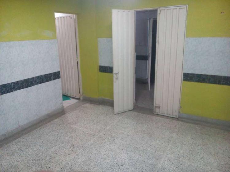 Habitación amplia, baño privado, cerca centro, servicios