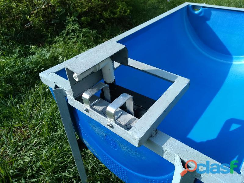 Bebederos plasticos, reforzados, para ganado. 3