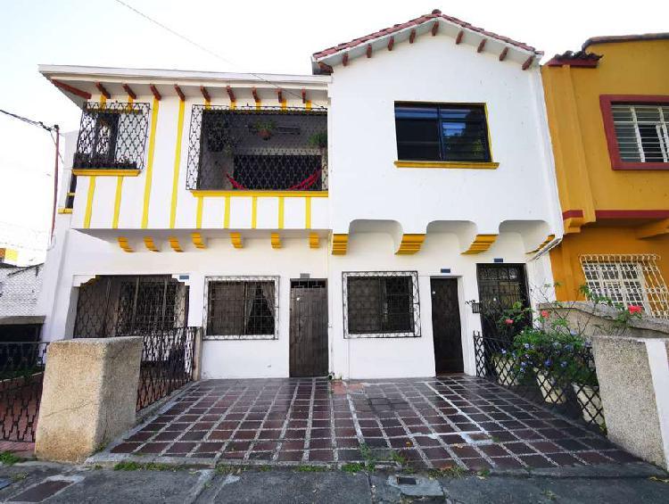 Casa en venta, granada, norte, cali _ wasi2294742
