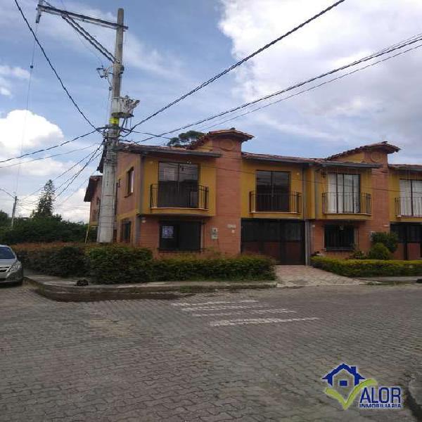 Casa para renta en la ceja urbanización abierta _
