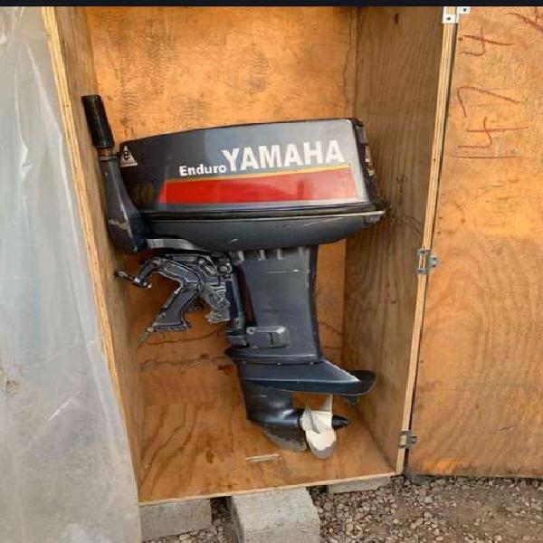 Motor fuera de borda yamaha 40 2 t mejor que nuevo