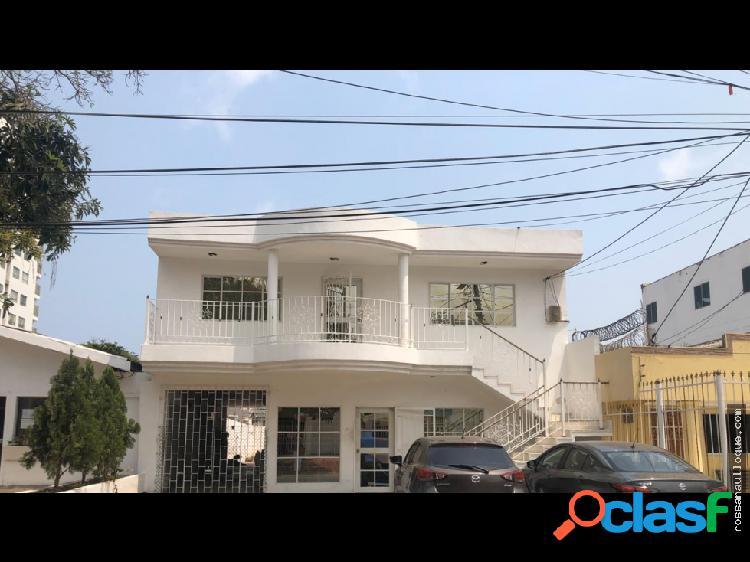 Venta de casa comercial en barrio concepción