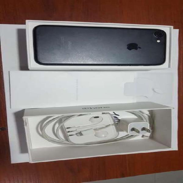 Iphone 7, color negro, 32gb