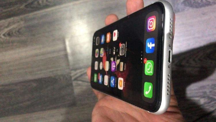 Iphone xr blanco 64gb perfecto estado