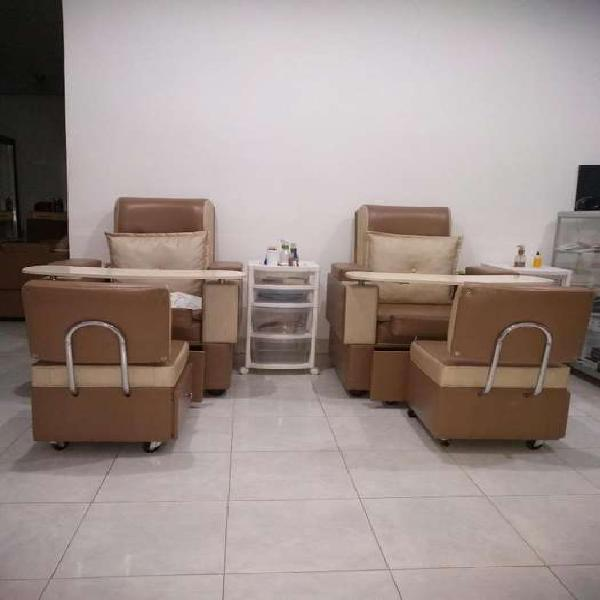 Se vende poltrona de manicure y pedicure