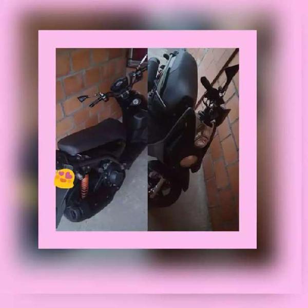 Se vende moto bws 2
