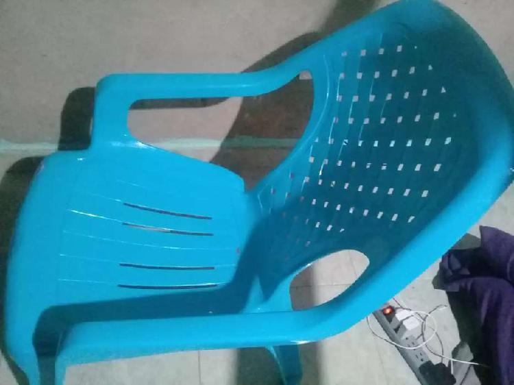 silla plastica peresoza