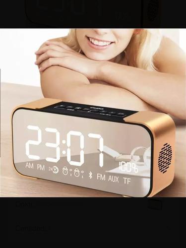 Parlante bluetooth reloj alarma y radio fm marca belia