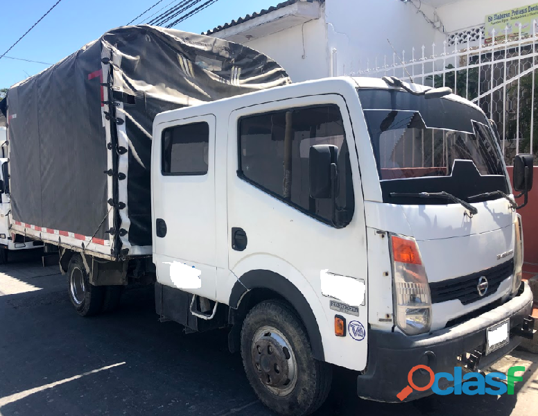 Camion turbo de estacas 5 ton