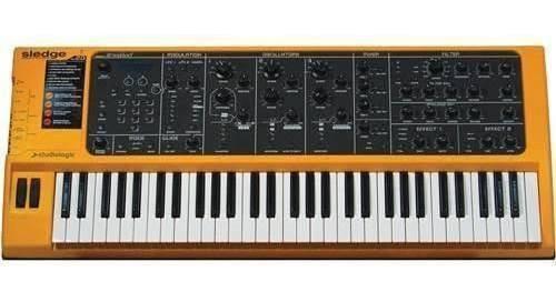 Studiologic sledge 2.0 black sintetizador analogo