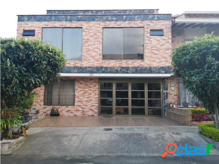 Casa en venta en sector suramerica la estrella