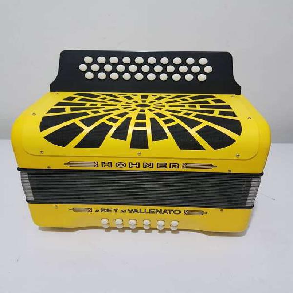 Acordeon rey vallenato amarillo