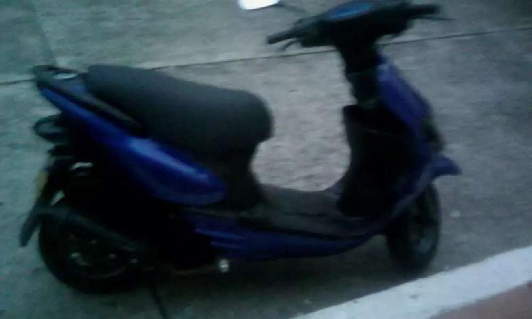 Vendo moto suzuki space