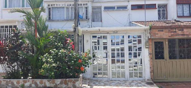 Hermosa casa barrio panorama