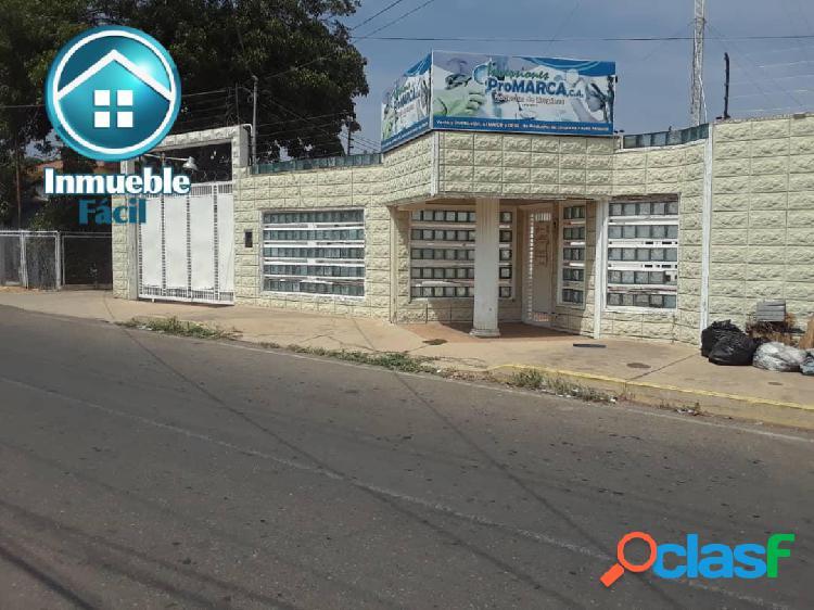 Centro empresarial en los haticos