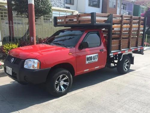 Nissan frontier 2013 4x2 estacas gasolina d22 95000 km 1 ton