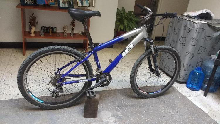 Bicicleta todo terreno aluminio componentes shimano vendo