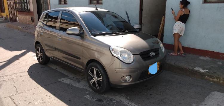 Se vende automovil kia picanto modelo 2011