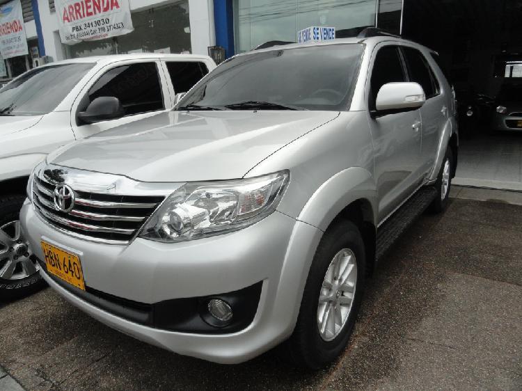 Toyota fortuner urbana aut. full modelo 2013