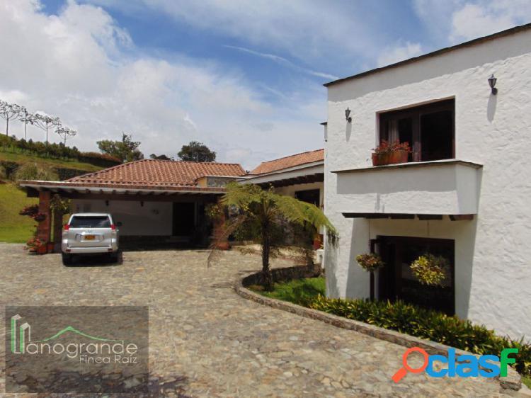Casa en Medellin, Unidad Cerrada Alto de Las Palmas 1
