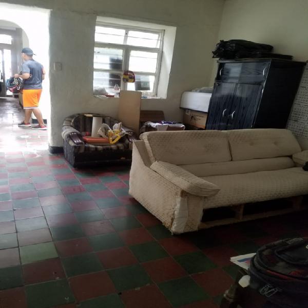 Se vende casa barrio nuevo remodelar o local comercial