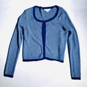 Suéter azul tejido