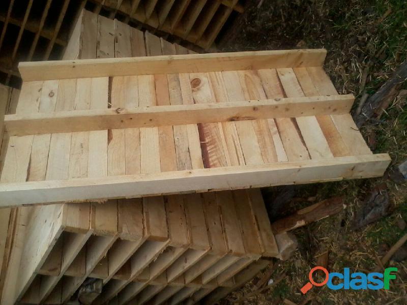 Camilla o formaleta en madera pino