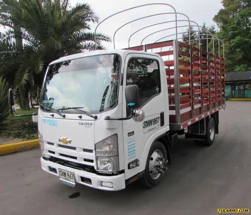 Camión estacas
