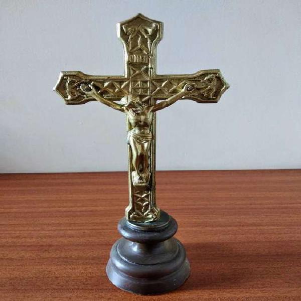 Cristo en bronce - decoración - adorno - antiguo -