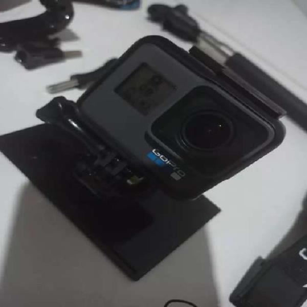 Gopro cámara hero 6 black como nueva.