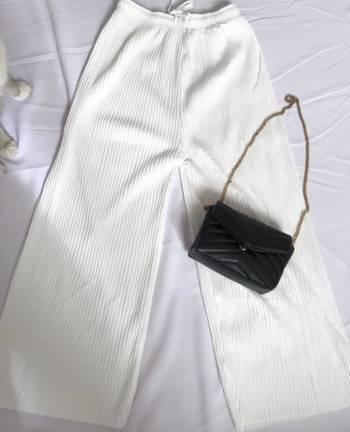 Pantalon nuevo blanco plisado