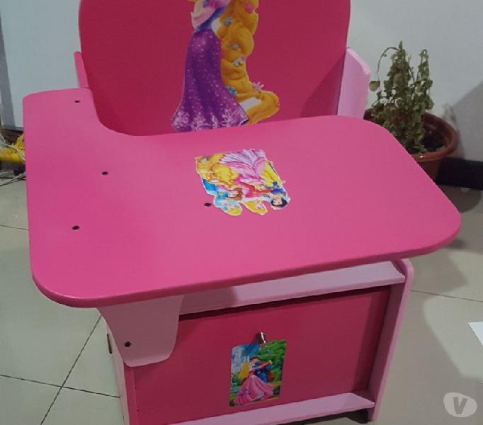 Pupitre o silla escolar para niños