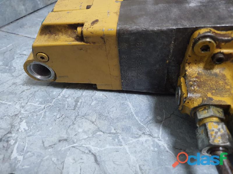 Bomba de inyección para motor caterpillar C7 y C9 usada 1