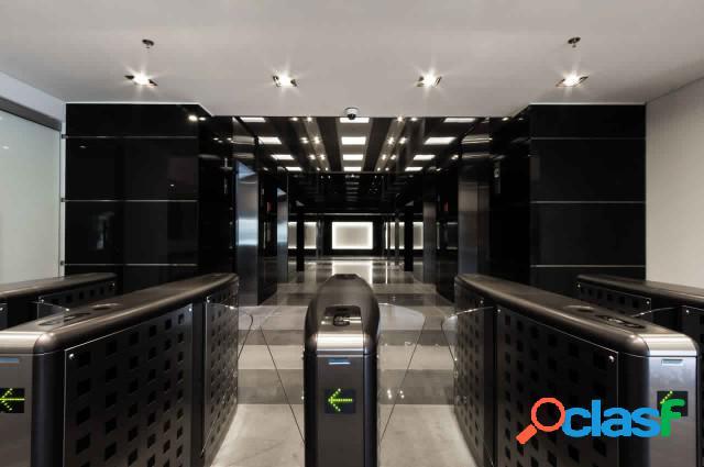 Oficina en Venta en Torre Cristal Bogotà E272