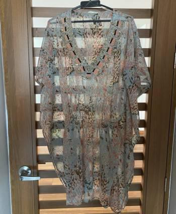 Kimono en seda y pedreria