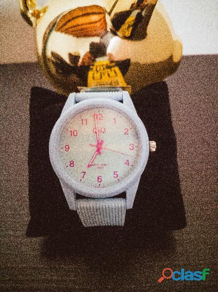 Reloj para mujer deportivo original marca q&q ideal para regalo