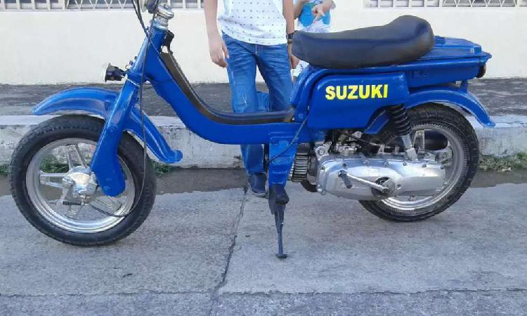 Linda moto fz50