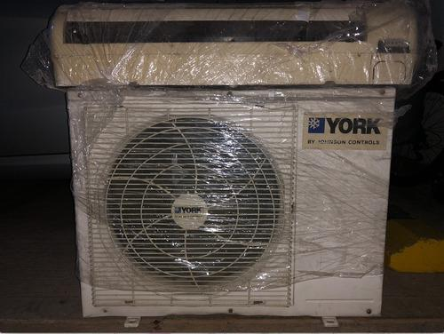 Aire acondicionado minisplit york 12000 btu usado