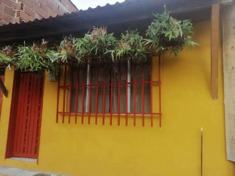 Casa propiedad raíz para construcción de hasta 4 pisos