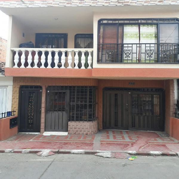 Se vende casa de dos plantas