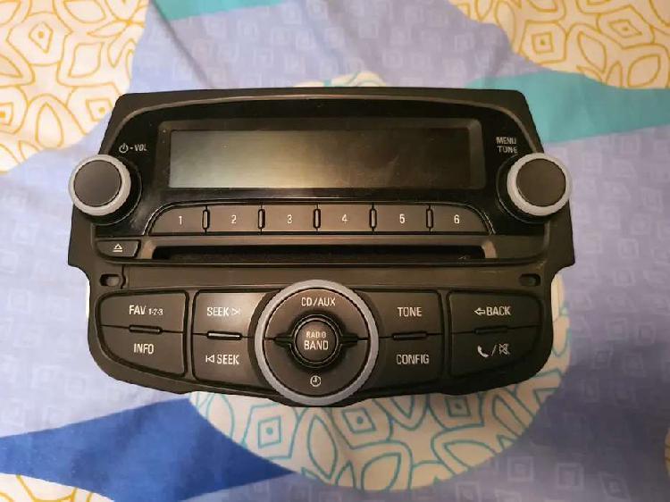 Vendo radio original + consola para spark gt modelo 2017