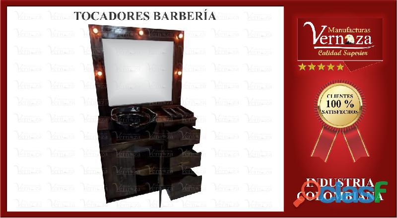 Tocador o espejo para barberia con porta secador y accesorios