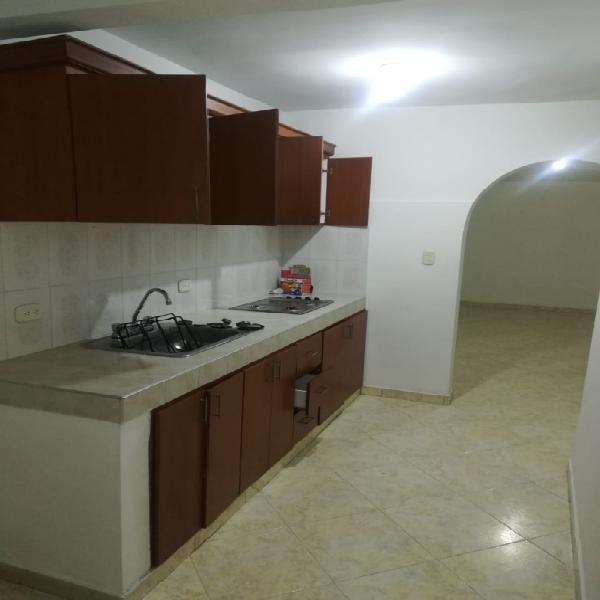 Alquilo apartamento centro - area andina