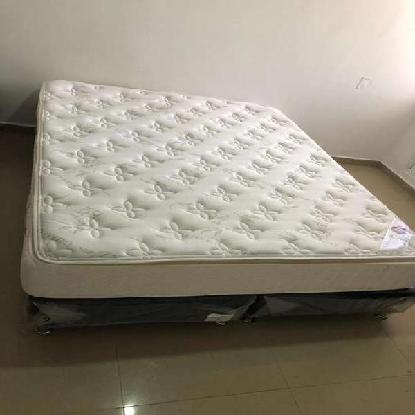 Colchón + base cama queen size (1.60x1.90)