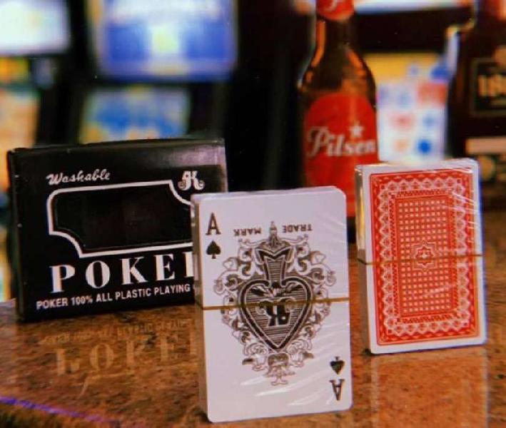 Juegos en casa naipe o cartas