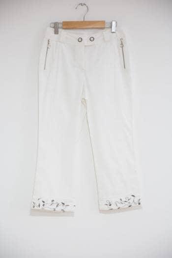 Nuevo! pantalon con bota bordada