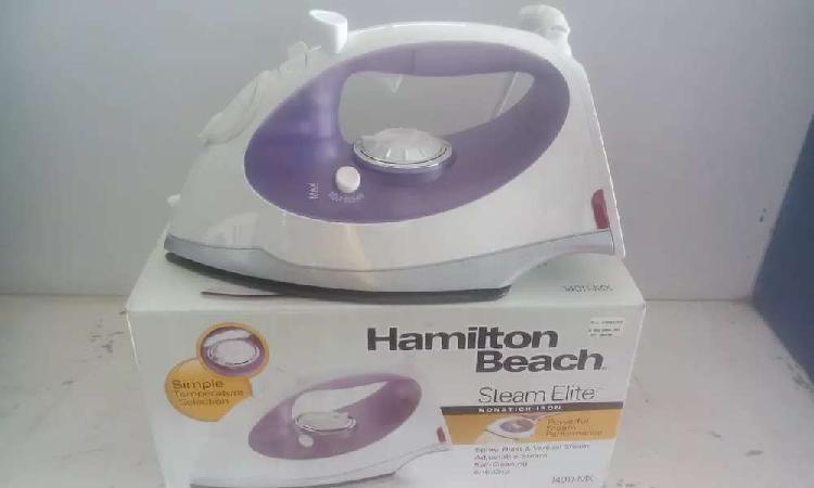Vendo plancha para ropa nueva marca hamilton beach